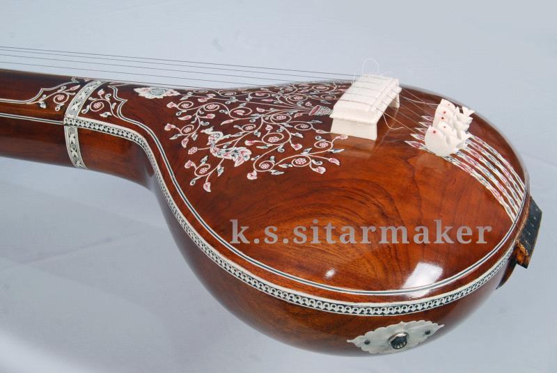 Flat tanpura by K S Sitarmaker, Miraj
